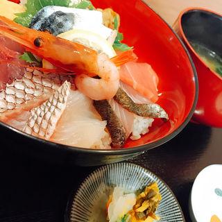 大漁師丼(道の駅のとじま)
