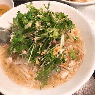 タイ国塩肉ヌードル(クイッティオナーム)(タイ屋台 ラオラオ )