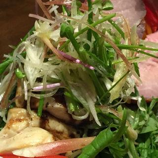前菜 チキンのグリル バルサミコソース(ビストロモナミ (Bistro Mon vieil Ami))