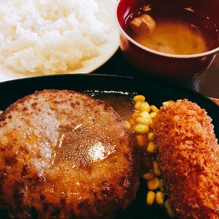 カニクリーム付200gセット(三浦のハンバーグ 御茶ノ水店 (ミウラノハンバーグ))