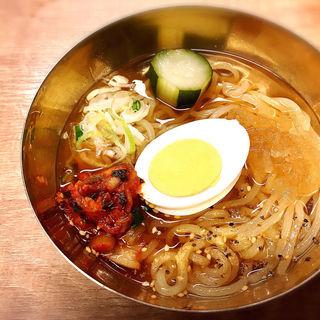 名物こだわりの一口冷麺(大阪焼肉・ホルモンふたご 中目黒本館 )