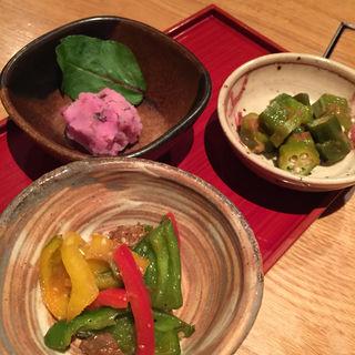 かやくご飯とおばんざいの三種鉢(蕎麦セットメニュー)(鼓道 )