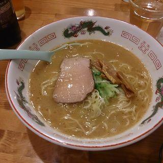 濃厚魚介豚骨らーめん(ソライロ)