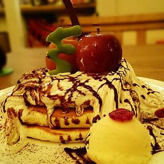 真っ赤な林檎のクリスマスパンケーキ(MOGMOG (モグモグ))