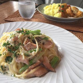 鮭とアスパラガスのパスタ(マテルガーデンカフェ (matel garden&caf?))