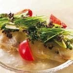 本日の鮮魚の軽いスモーク  春野菜添え