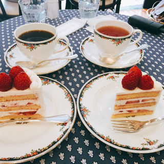 苺のショートケーキ ブラン(フレンチ パウンド ハウス 大和郷本店 (FRENCH POUND HOUSE))