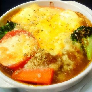 緑黄色野菜のチーズ焼きカレー(カフェ マリオ シフォン (CAFE MARIO CHIFFON))
