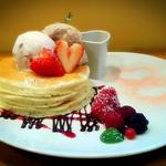 ストロベリーチョコのバレンタインパンケーキ