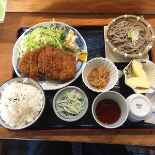 ロースカツ定食(平日1000円 土日1370円)(力鶴 (ちからつる))