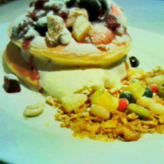 自家製グラノーラとマシュマロモンブランのパンケーキ (カフェナチュレ )