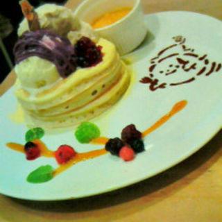 ホットパンプキン&コーヒー生クリームのハロウィンパンケーキ(パンケーキママカフェ VoiVoi (ヴォイヴォイ))