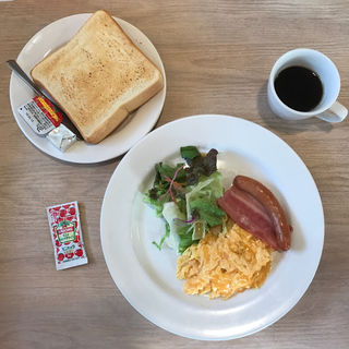 スクランブルエッグ&ベーコンソーセージセット(厚切りトースト)(ガスト 鴨池店 )