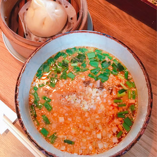 白胡麻坦々麺(菜根譚 )