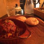 トマトとチーズの煮込みハンバーグ