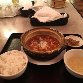 龍福特製麻婆豆腐(龍福小籠堂 東京ビル TOKIA店 (ロンフウシャオロンタン))