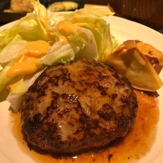 ハンバーグ定食(焼とり八兵衛)