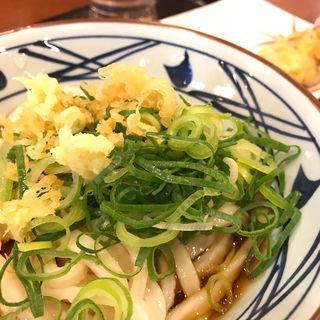 ぶっかけうどん(並)・とり天(丸亀製麺 広島安芸店 )