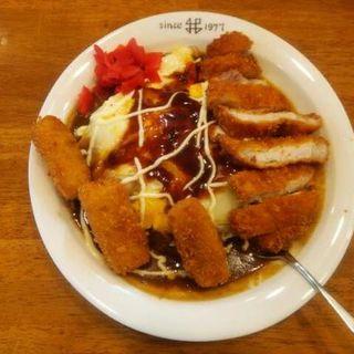 野菜玉子カツコロッケカレー(かれー屋伊東 (イトウ))