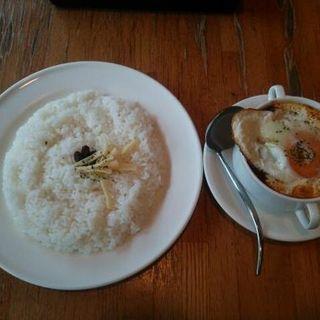 スペシャルベンガルカレー(目玉焼きのせ)(モーニングトマト )