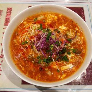 酸辣湯麺(菜香樓)