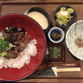 まかない牛たん丼セット(牛たん物語 )