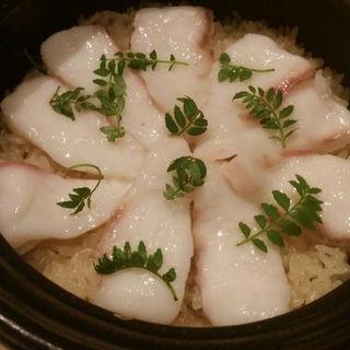 鯛の土鍋ごはん(アコメヤ厨房 (AKOMYEYA))