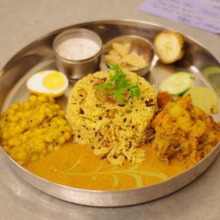 ベジタリアンターリー+レモンライス(インド家庭料理 ミレンガ)