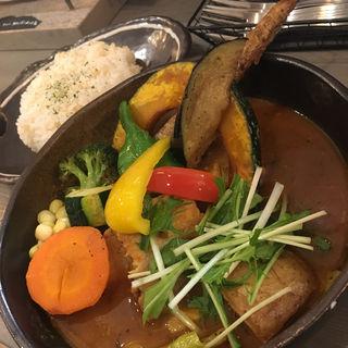 チキン1/2 & 豚角煮と野菜(Rojiura Curry SAMURAI. 吉祥寺店)