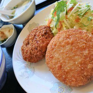 メンチカツとハムカツ定食(中華料理 栄楽)