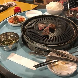 """(焼肉ソソモン (서서먹는 맛집 """"""""立って食べる美味しい店""""""""))"""