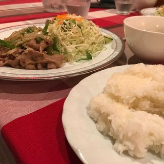 牛肉のオイスター炒め(スイス料理 ハウゼ)