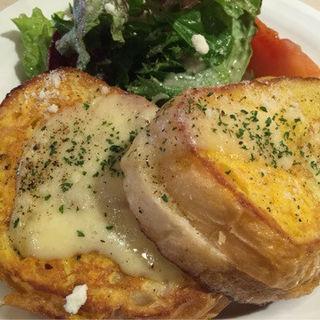 チーズとアンチョビのフレンチトースト(ストロベリーフィールズ 西新店 )