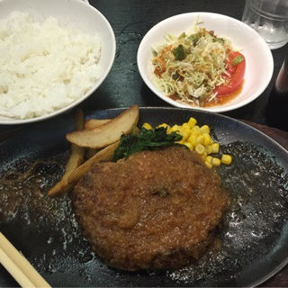 ハンバーグステーキ定食(ちんや )