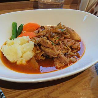 チキンの柔らか煮込みパプリカ風味(カフェ マメフク )