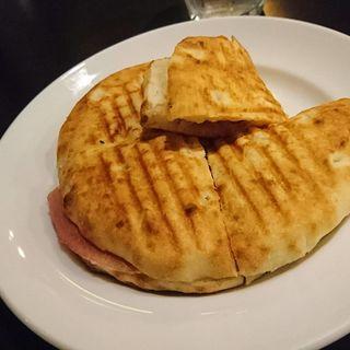 フォカッチャ・プロシュート(カフェ・ミケランジェロ (caffe Michelangelo))