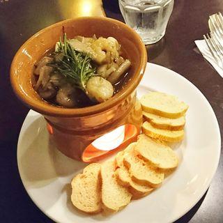 小海老とさまざまなキノコのコンフィ(カフェ・ミケランジェロ (caffe Michelangelo))