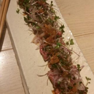 黒毛和牛のたたきサラダ(アコメヤ厨房 (AKOMYEYA))