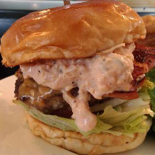 ベーコンチーズバーガー(ザ・コーナーハンバーガー&サルーン (THE CORNER Hamburger&Saloon))