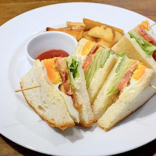 BLTたまごサンド(マグズカフェ (MUG'S CAFE))