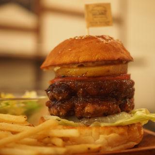 パイナップルバーガー(パティW)(milia burger)