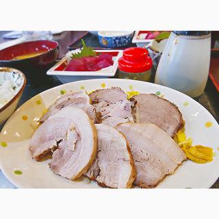 ゆで豚&マグロぶつの定食(カフェ食堂みどり )
