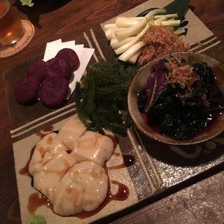 沖縄前菜5点盛り(コース料理)(てぃんさぐぬ花)