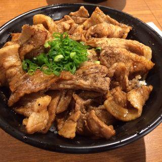 メガしびれ豚丼(串揚げじゅらく 神田須田町店 )