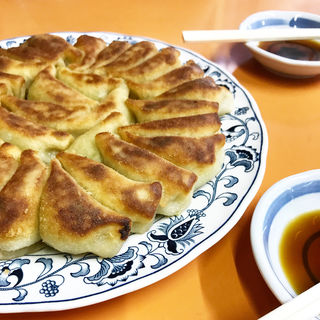 焼き餃子(夜来香 (イエライシャン))