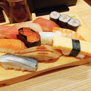 魚河岸11カン握り(まぐろ一代 エキュート上野店 )