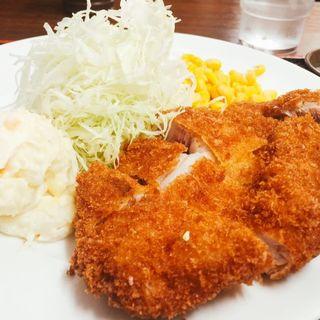 ロースかつ定食(七平 (シチベイ))