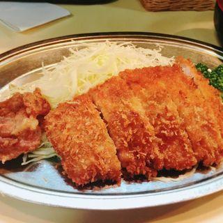 日替わりランチ 鶏唐揚とトンカツ(ブルドック )