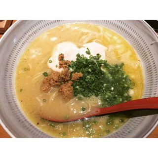白湯ラーメン(炭火焼き鳥と鶏ガラらーめん 鳥鶏研究団)