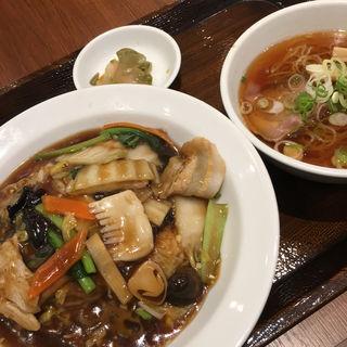 かけご飯半拉麺セット(紅虎餃子房)